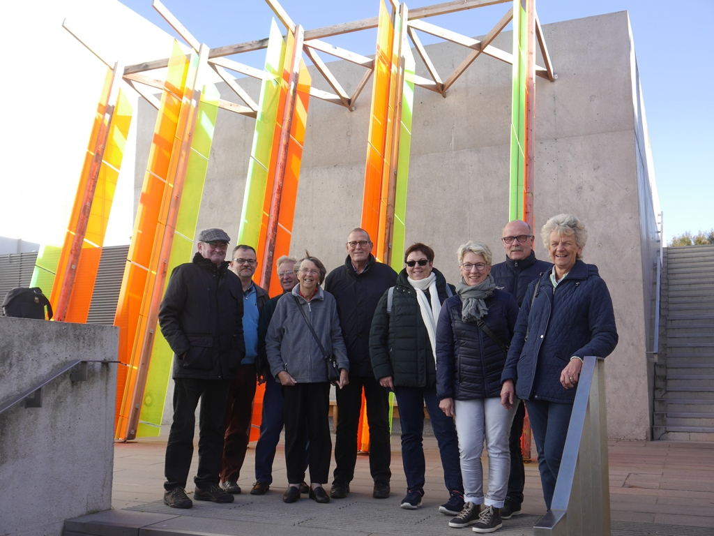 Die Gruppe vor dem Turner Contemporary in Margate